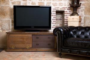 meuble télé industriel porte coulissante- industrial tv unit with sliding door